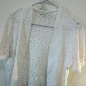White knittted cardigan